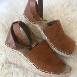 GAP✨❤️Sale❤️✨✨Wedge/Espadrilles Shoes Like New!!